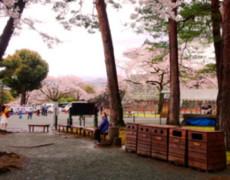 小田原城址公園のベンチとゴミ箱を製作しました。