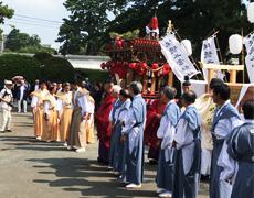 報徳祭「御木曳き」「立柱祭」が行われました。
