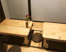 小田原に新しく出来た小料理屋『華族』様のテーブルを作製しました。