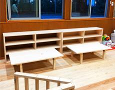 「ちがさき・もあな保育園」様のテーブル什器等を製作致しました。