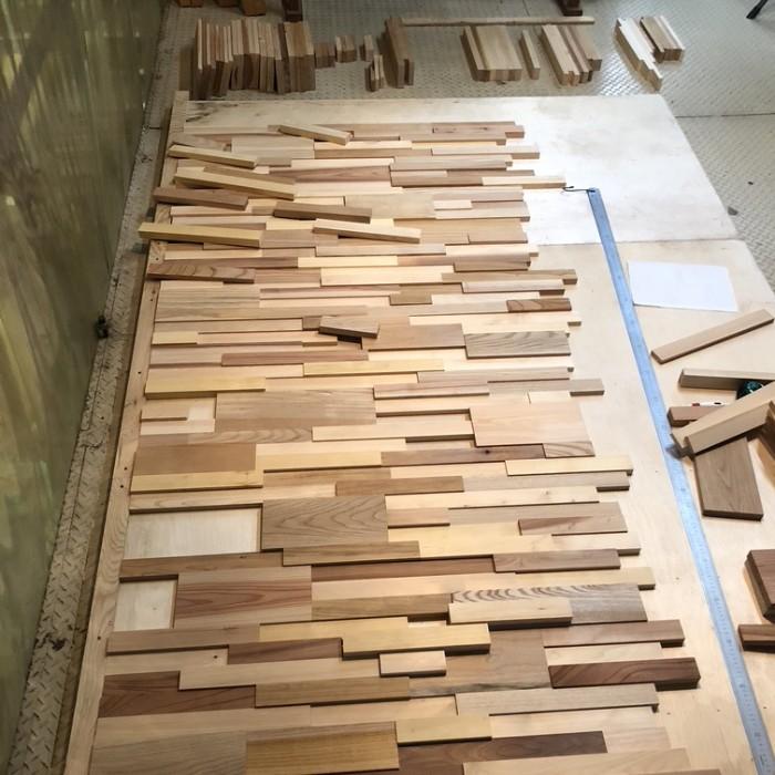 世田谷コンテナハウスのモザイク壁を作製