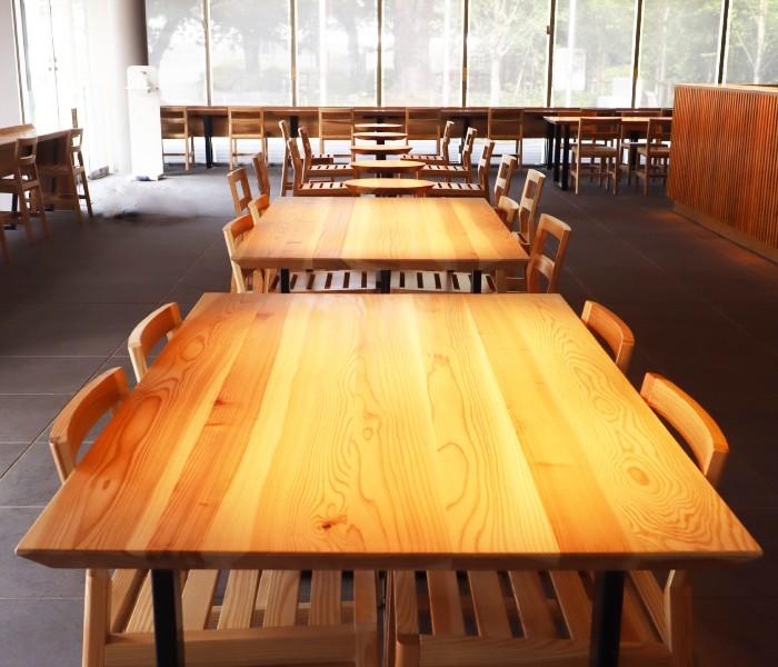 小田原三の丸ホールのテーブルを作製