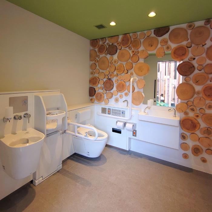 公園の公衆トイレの看板を製作(場所:渋谷)