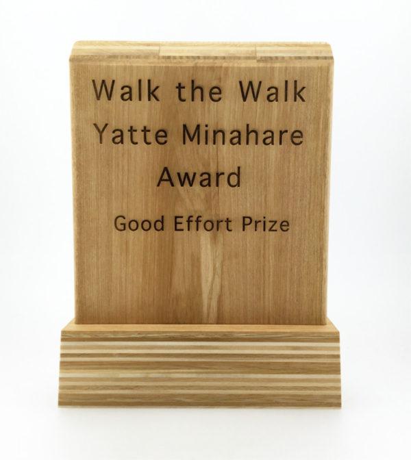 「有言実行やってみなはれ大賞」の賞品となる 楯の作製
