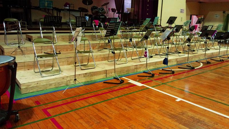 国府津中学校のひな壇を作製しました。
