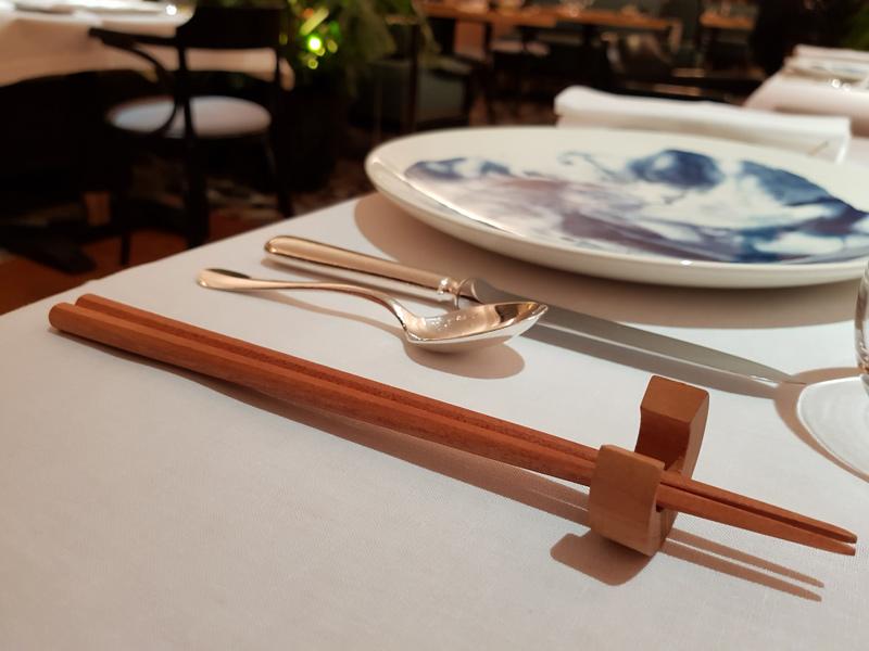 フランスの一つ星レストランにてラ・ルースの商品が使用されています。