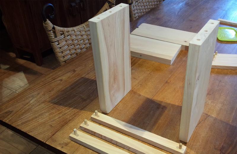 小田原市主催の木育授業最終:卒業記念品での本立て作りに協力しました。